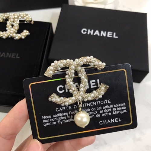 Chanel Brooches #775640