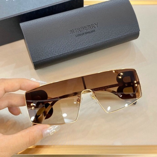 Burberry AAA Quality Sunglasses #775822