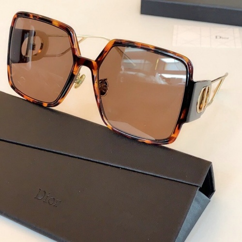 Christian Dior AAA Quality Sunglasses #775860