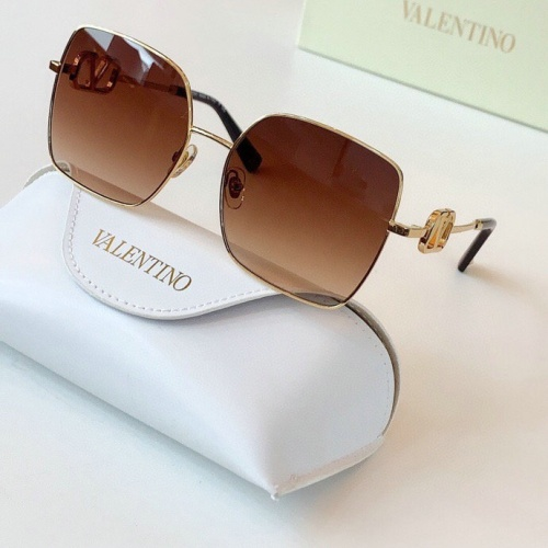 Valentino AAA Quality Sunglasses #775951