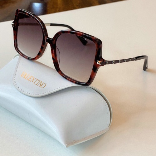 Valentino AAA Quality Sunglasses #775958