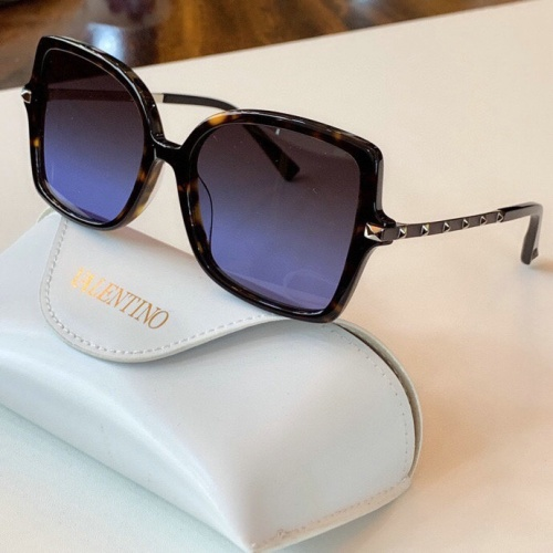 Valentino AAA Quality Sunglasses #775962