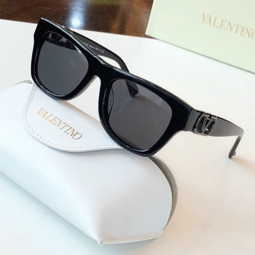 Valentino AAA Quality Sunglasses #776304
