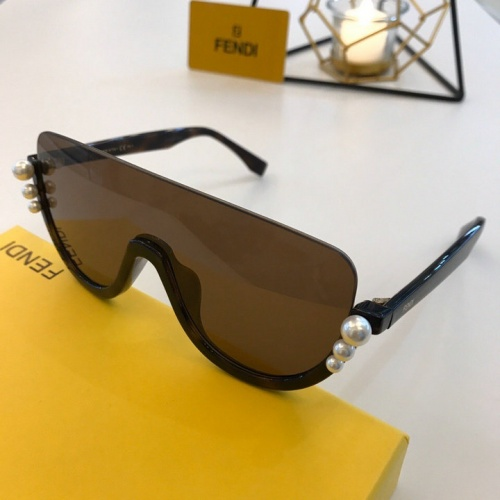 Fendi AAA Quality Sunglasses #776570