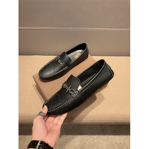 Versace Casual Shoes For Men #776803