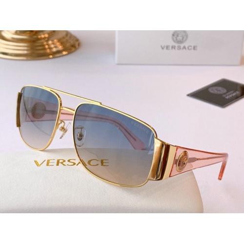 Versace AAA Quality Sunglasses #777136