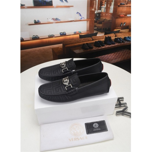 Versace Casual Shoes For Men #777162