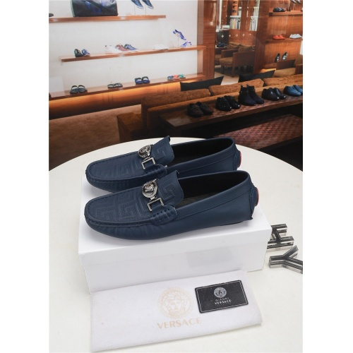 Versace Casual Shoes For Men #777163