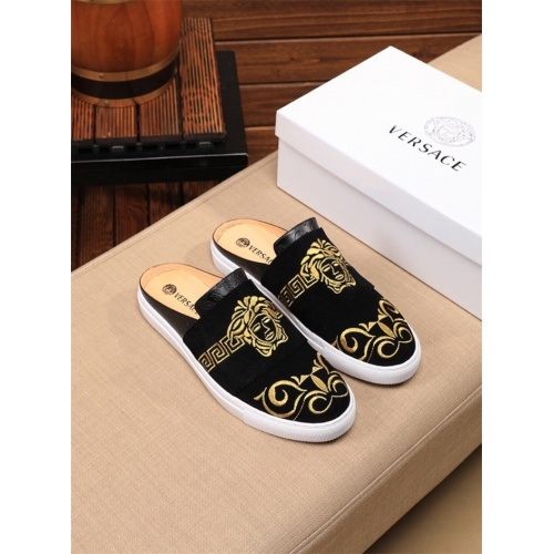 Versace Casual Shoes For Men #777461