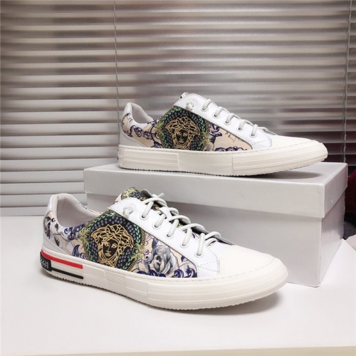 Versace Casual Shoes For Men #777464
