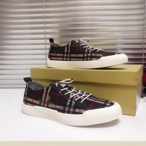 Burberry Casual Shoes For Men #777472