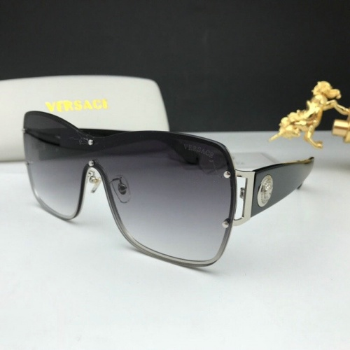 Versace AAA Quality Sunglasses #777596