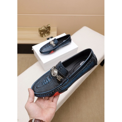 Versace Casual Shoes For Men #777779