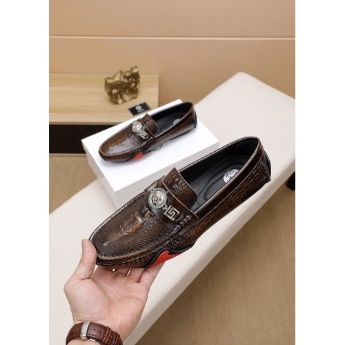 Versace Casual Shoes For Men #777780
