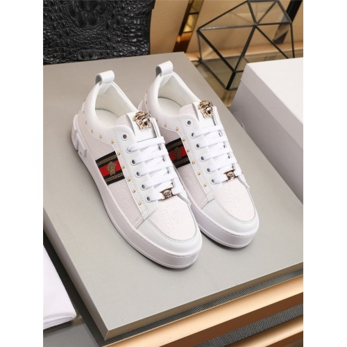 Versace Casual Shoes For Men #777803