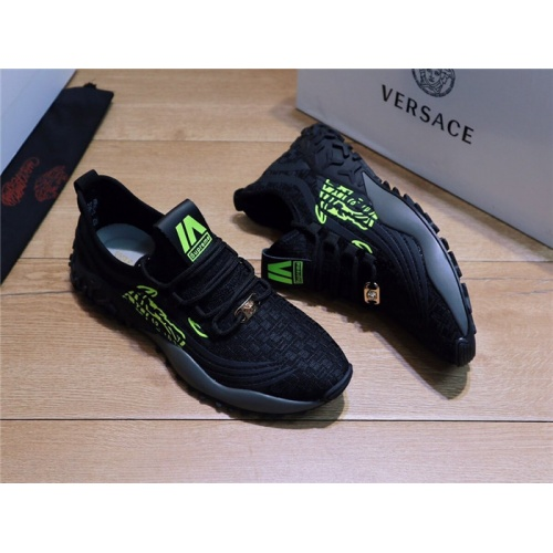 Versace Casual Shoes For Men #778368