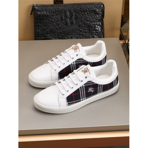 Burberry Casual Shoes For Men #779365