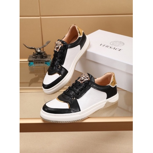Versace Casual Shoes For Men #779536