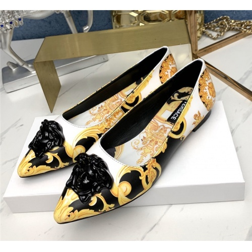 Versace Flat Shoes For Women #779815