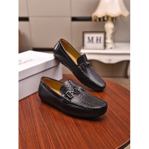 Versace Casual Shoes For Men #780148
