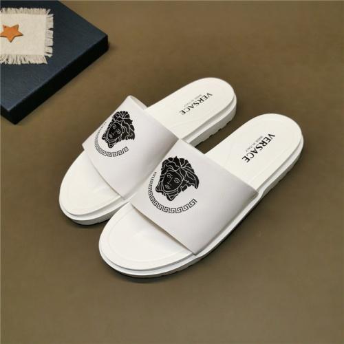 Versace Slippers For Men #780158