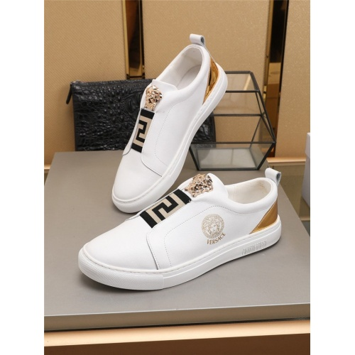 Versace Casual Shoes For Men #780183