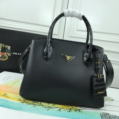 Prada AAA Quality Handbags For Women #780307