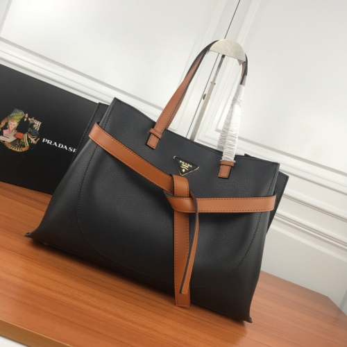 Prada AAA Quality Handbags For Women #780558