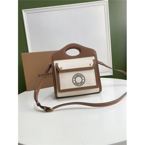 Burberry AAA Quality Messenger Bags For Women #780631
