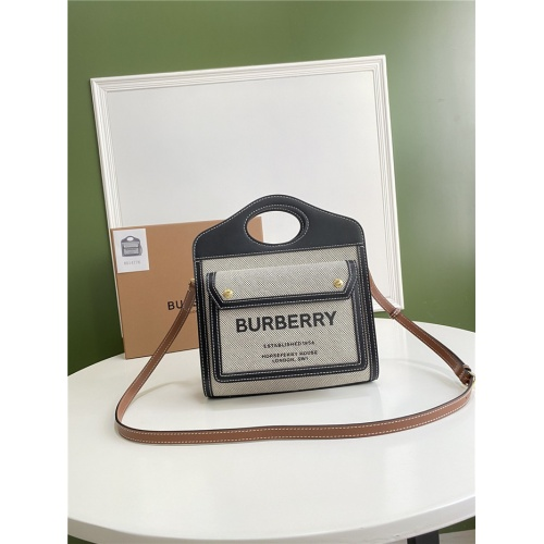 Burberry AAA Quality Messenger Bags For Women #780632