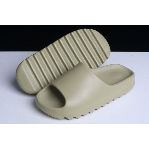 Adidas Yeezy Slipper For Men #781081
