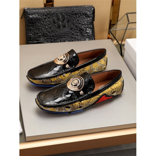 Versace Casual Shoes For Men #781353