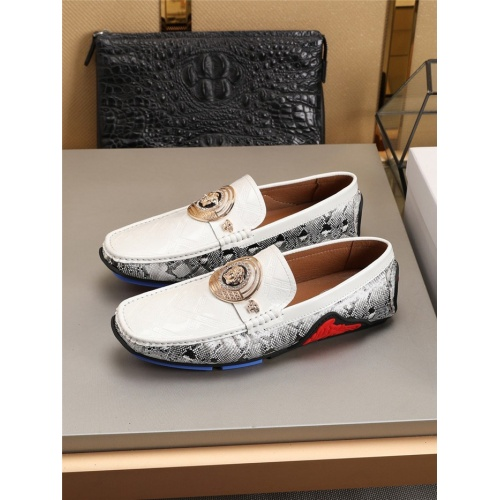 Versace Casual Shoes For Men #781354