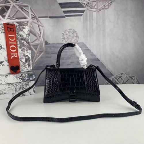 Balenciaga AAA Quality Messenger Bags #781902