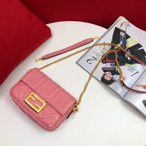 Fendi AAA Messenger Bags #781918