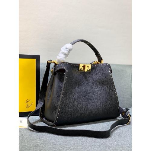 Fendi AAA Messenger Bags #781929