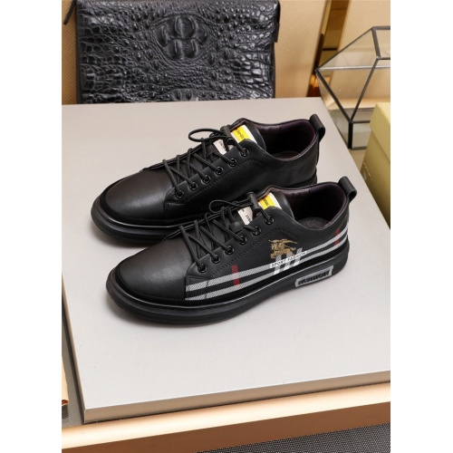 Burberry Casual Shoes For Men #782448