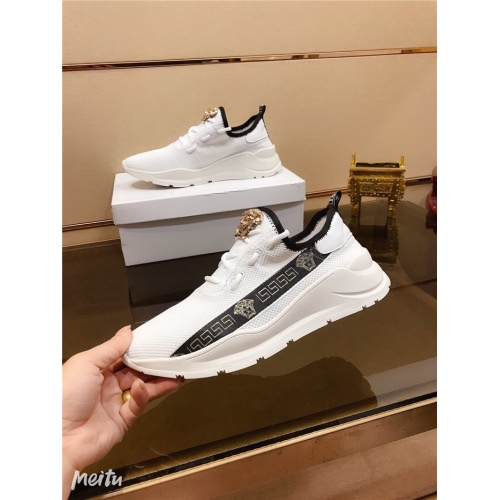 Versace Casual Shoes For Men #783097