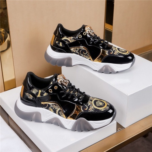Versace Casual Shoes For Men #783124