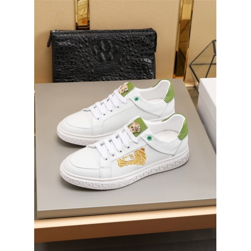 Versace Casual Shoes For Men #783153