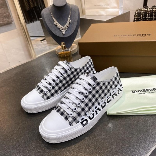 Burberry Casual Shoes For Men #783601
