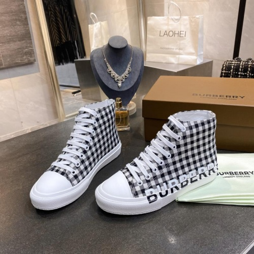 Burberry High Tops Shoes For Men #783602