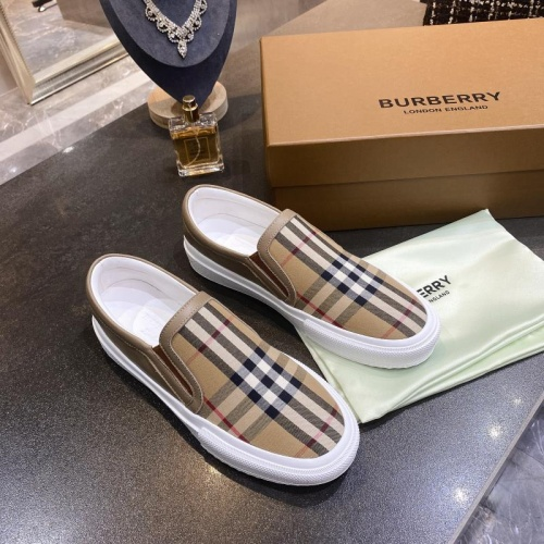 Burberry Casual Shoes For Women #783604