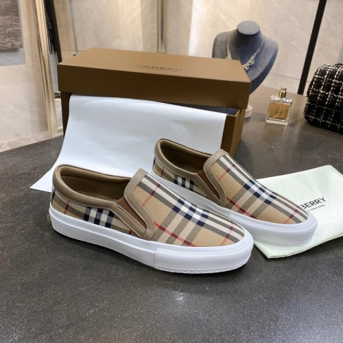 Burberry Casual Shoes For Women #783606