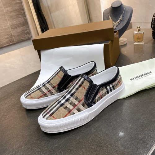 Burberry Casual Shoes For Men #783607