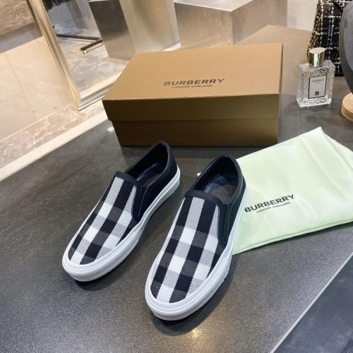 Burberry Casual Shoes For Men #783624