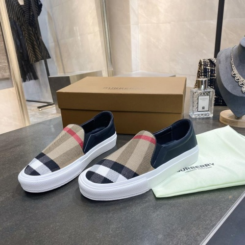 Burberry Casual Shoes For Women #783626