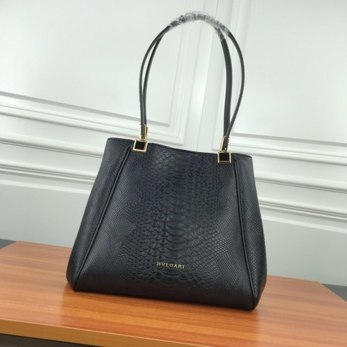 Bvlgari AAA Quality Shoulder Bags For Women #784117