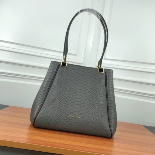 Bvlgari AAA Quality Shoulder Bags For Women #784119