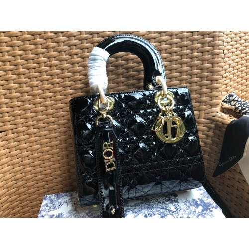 Christian Dior AAA Quality Messenger Bags #784878